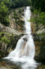 白糸瀑布和山城迹等看点满满 福智山・鹰取山